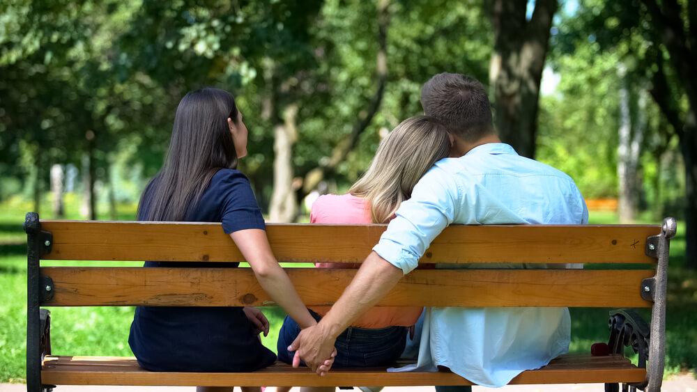 Glückliche polyamoröse Beziehung