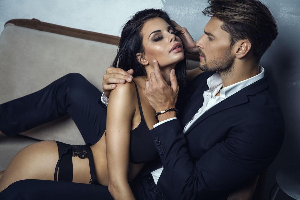 Mann mit hübscher Frau