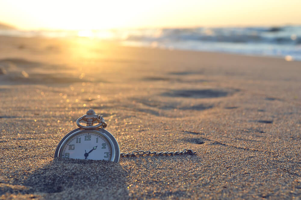 Uhr im Sand